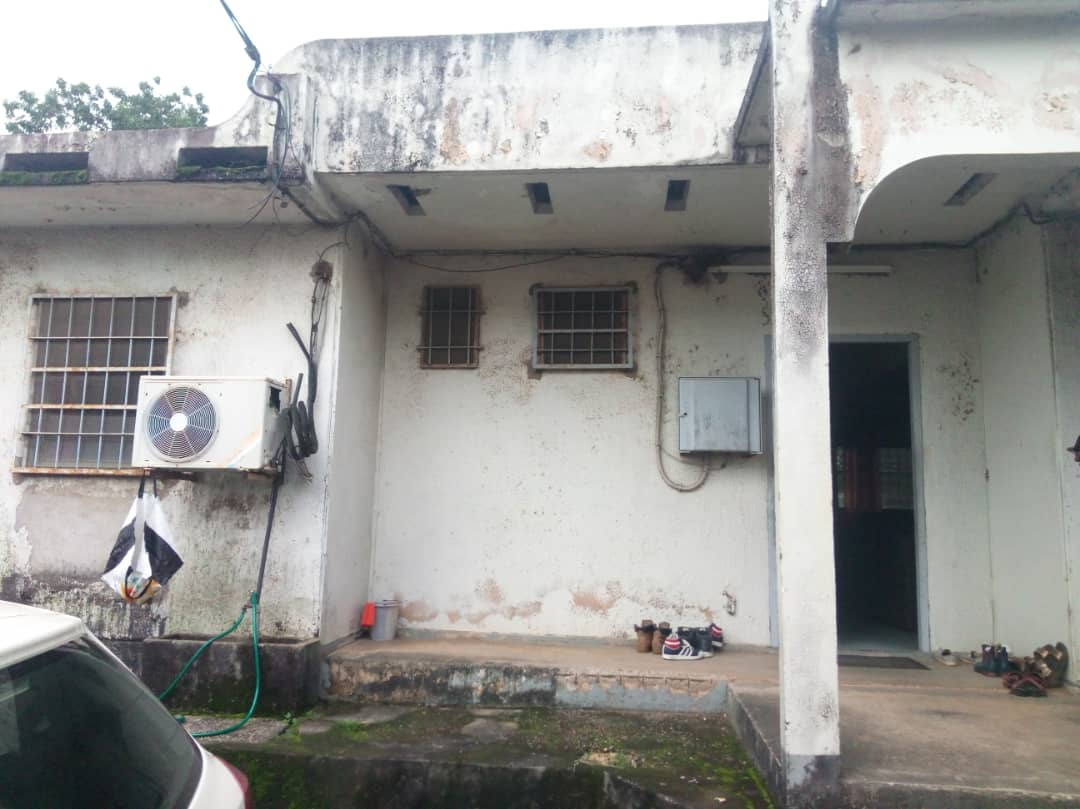 House (Villa) for sale - Douala, Bonamoussadi,  - 1 living room(s), 4 bedroom(s), 3 bathroom(s) - 60 000 000 FCFA / month
