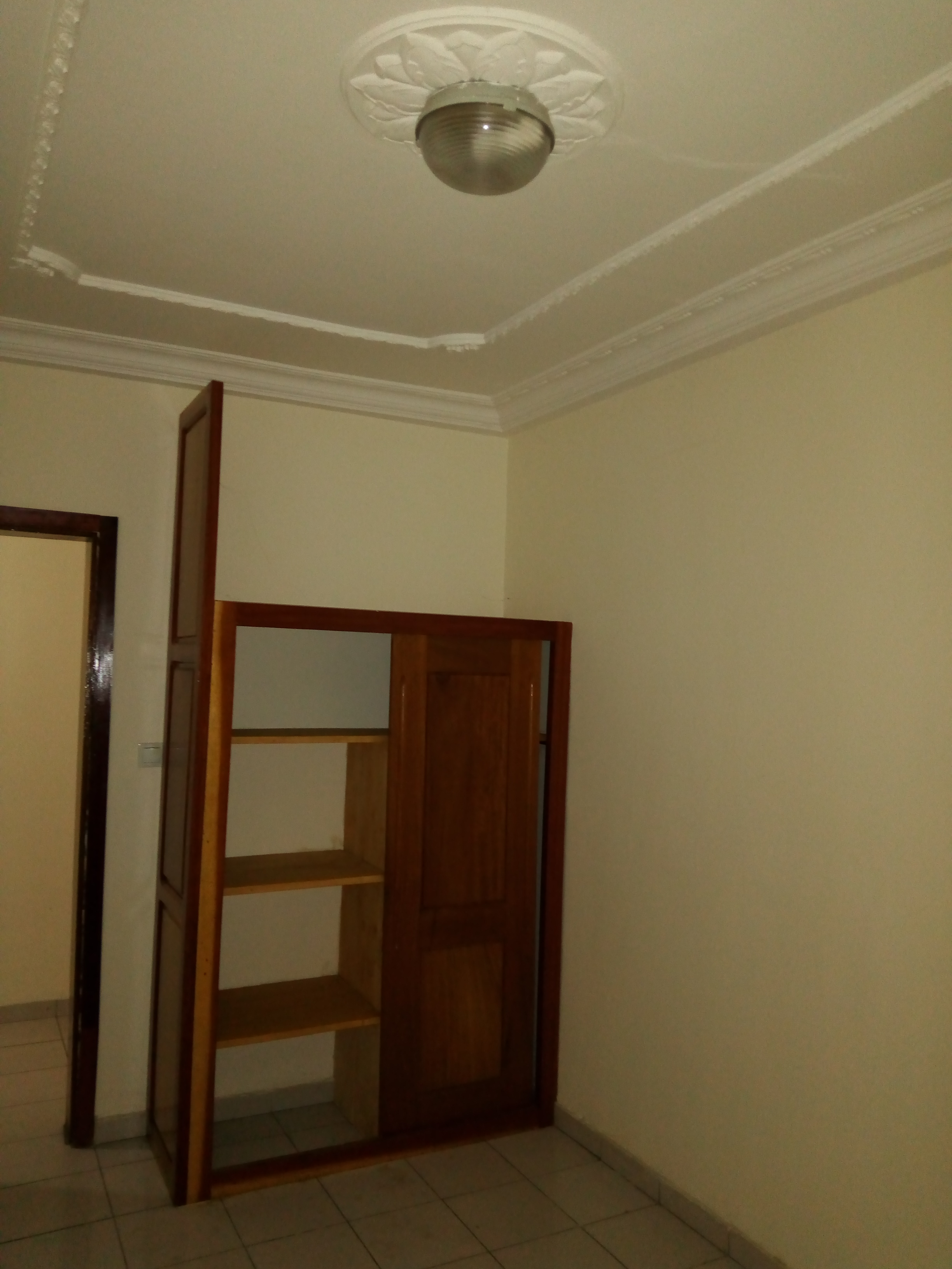 Apartment to rent - Douala, Makepe,  - 1 living room(s), 2 bedroom(s), 1 bathroom(s) - 140 000 FCFA / month