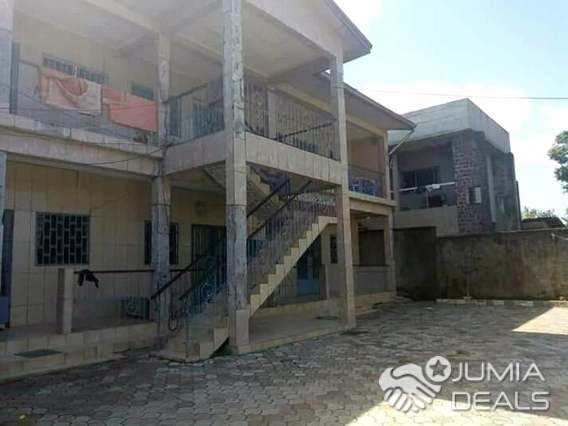 House (Triplex) for sale - Douala, Ndogbong,  - 6 living room(s), 12 bedroom(s), 6 bathroom(s) - 70 000 000 FCFA / month
