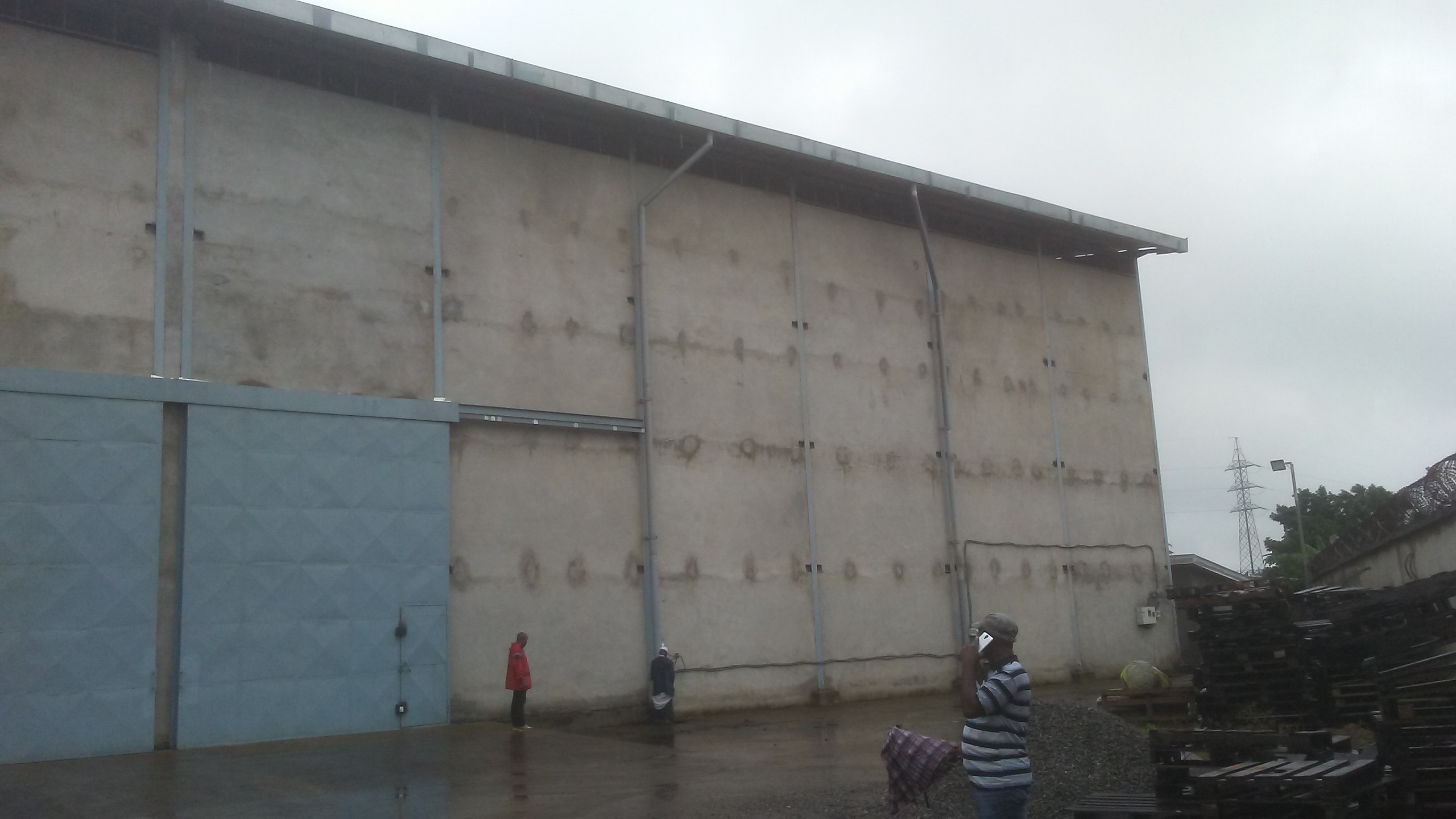 Store to rent at Douala, Bassa, Ndokoti - 800 m2 - 2 650 000 FCFA