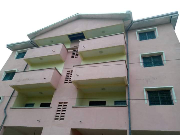 Apartment to rent - Douala, Kotto,  - 1 living room(s), 3 bedroom(s), 2 bathroom(s) - 100 000 FCFA / month