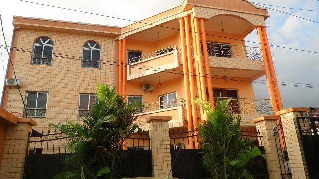 Apartment to rent - Yaoundé, Biyem-Assi, résidence toundhalia location vacances de luxe a Yaoundé Biyem assi nsimeyong - 1 living room(s), 2 bedroom(s), 1 bathroom(s) - 51 500 FCFA / month