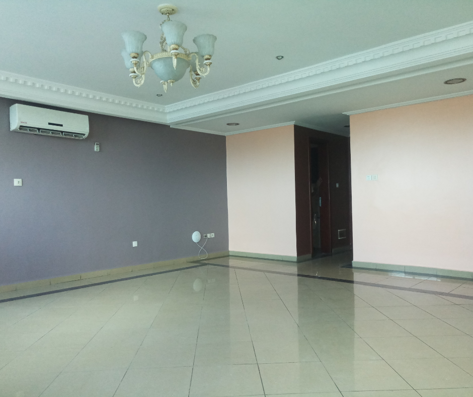 Apartment to rent - Douala, Akwa I,  - 1 living room(s), 2 bedroom(s), 3 bathroom(s) - 650 000 FCFA / month