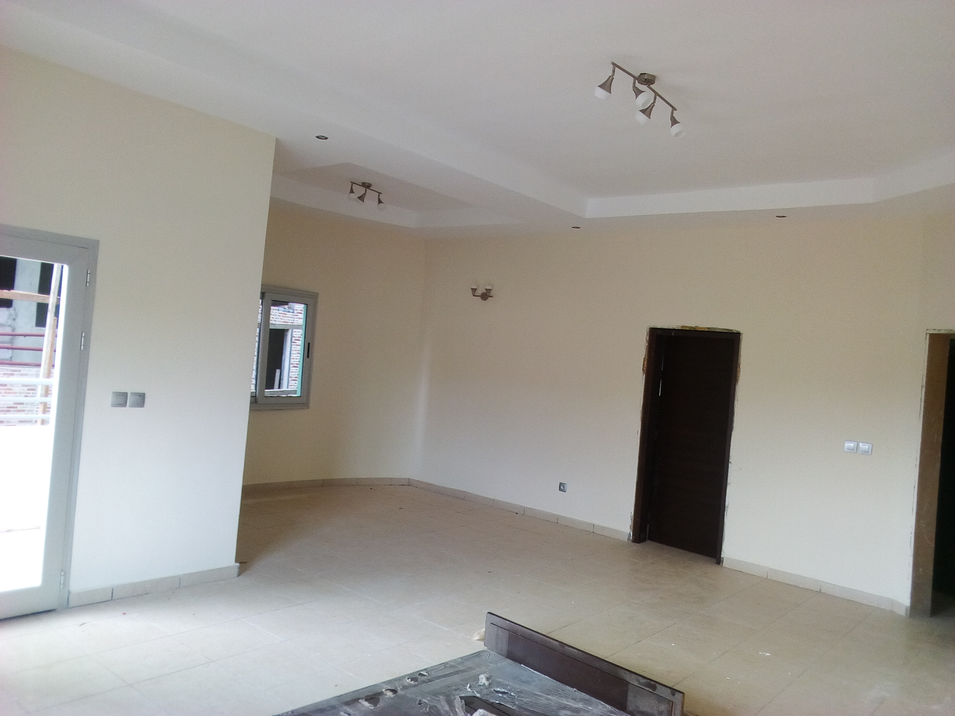 Apartment to rent - Yaoundé, Mfandena, avenue foe - 1 living room(s), 2 bedroom(s), 3 bathroom(s) - 300 000 FCFA / month