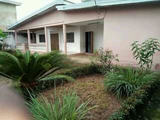 House (Villa) for sale - Douala, Logpom,  - 1 living room(s), 4 bedroom(s), 3 bathroom(s) - 50 000 000 FCFA / month