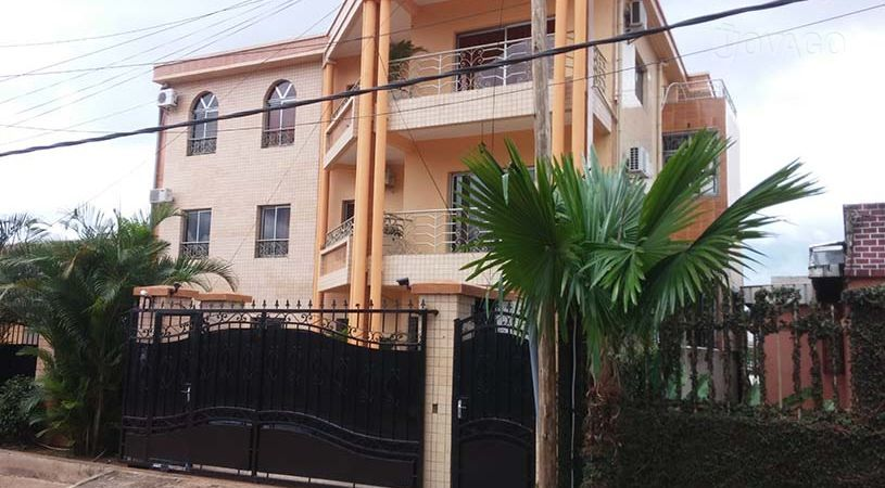 Apartment to rent - Yaoundé, Biyem-Assi, immobilier - 1 living room(s), 2 bedroom(s), 1 bathroom(s) - 51 500 FCFA / month